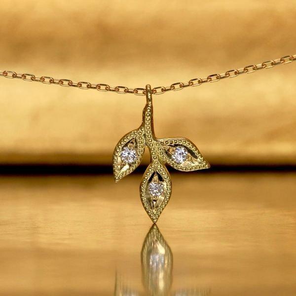 画像1: 【オリーブ】アンティークオリーブ&ダイヤモンド M ネックレスチャーム K18YG(イエローゴールド)